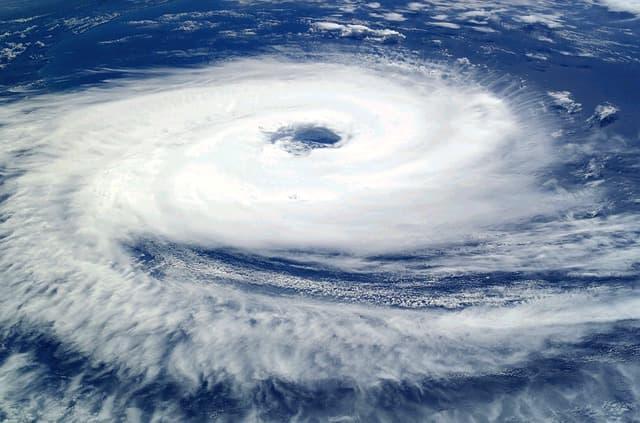 上空から見た台風の様子