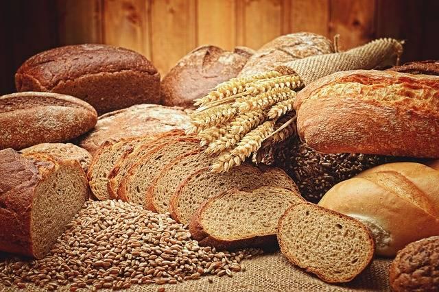 小麦とパンのイメージ画像